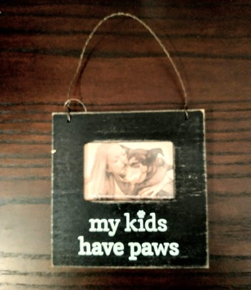"""My kids have paws"" photo ornament"